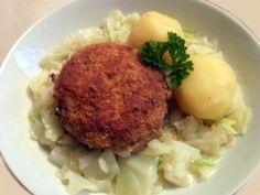 Krebinetter med stuvet hvidkål og kartofler