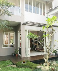 Minimalis House Design, Terrace House Exterior, Affordable Bedroom Sets, Home Room Design, Contemporary House Plans, Sims House, Window Styles, Cool House Designs, Fairy Houses