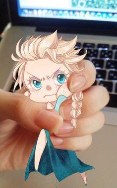 Miniature Elsa is so cute! Frozen Memes, Queen Elsa, True Love, Reindeer, Collage, Miniatures, Princess Zelda, Pure Products, Portrait