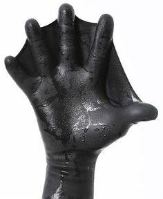 Darkfin-Webbed-surfing-diving-swimming-kayak-snorkel-glove
