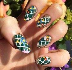 Housewives nails