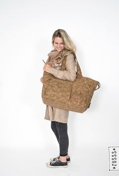 Zusss l Gebreid vest roest melee, Gespikkelde sjaal roest, Weekendtas XL cognac l http://www.zusss.nl/product/zusss-gebreid-vest-roest-melee/