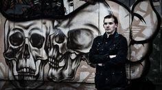 Esa Henrik Holappa oli uusnatsijärjestö Suomen Vastarintaliikkeen ensimmäinen johtaja. Nyt hän puhuu ensimmäistä kertaa julkisesti elämästään natsiliikkeen ytimessä Ylen tutkivalle ohjelmalle Spotlightille ja Yle Uutisille antamassaan haastattelussa.