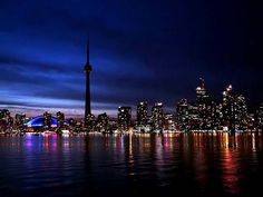 Beautiful Pictures of CN Tower – Tourist Place, Toronto, CanadaReckon Talk Toronto Canada, Cool Places To Visit, Places To Go, Canadian Universities, Toronto Skyline, Tourist Places, Canada Travel, Cn Tower, Beautiful Pictures