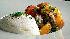 Salade de tomates Heirloom et espuma de mozzarella par Alexandre Gosselin