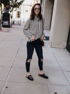 Casual Thanksgiving Day Outfits, winter style, styling for winter, striped sweatshirt, sweatshirt style, ripped denim style, styling ripped denim, styling mules, mules style, casual outfit style, casual outfit, fall street style