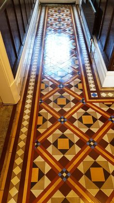 Victorian tiled hallway after cleaning Hebden Victorian Hallway, Victorian Tiles, Victorian Bathroom, Victorian Terrace, Victorian Decor, Victorian Flooring, Hall Tiles, Tiled Hallway, Tile Stairs