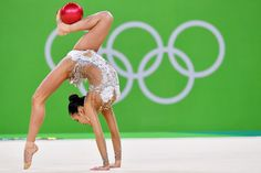 TOPSHOT - South Korea's Son Yeon Jae competes in the individual all-around qualifying event of the Rhythmic Gymnastics at the Olympic Arena during the Rio 2016 Olympic Games in Rio de Janeiro on August / AFP / Ben STANSALL Gymnastics Music, Gymnastics World, Gymnastics Photos, Gymnastics Photography, Rhythmic Gymnastics, Rio Olympics 2016, Summer Olympics, Martial, Katie Ledecky