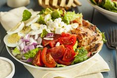 Make the best Cobb salad recipe with an easy homemade blue cheese dressing. Do you know the ingredients to a classic Cobb salad? Classic Cobb Salad Recipe, Classic Salad, Easy Salad Recipes, Great Recipes, Favorite Recipes, Healthy Recipes, Chicken Salad, Grilled Chicken, Rotisserie Chicken
