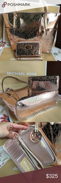 🌴Michael Kors Set🌴 100% Authentic Michael Kors Tote Bag and Wallet, both brand new with tag!😍😍😍Rose Gold color. Michael Kors Bags Totes