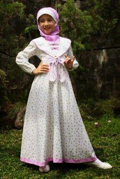 pusat grosir baju muslim anak Kids Dress Patterns, Vintage Dress Patterns, Batik Fashion, Hijab Fashion, Dresses Kids Girl, Kids Outfits, Young Fashion, Kids Fashion, Girls Party Wear