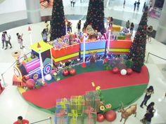 mall christmas decor