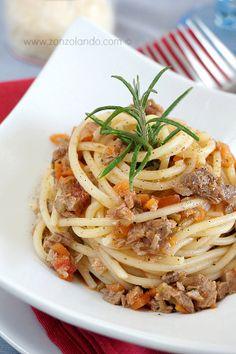 Bigoli con ragù d'anatra - Spaghetti with duck ragù sauce | From Zonzolando.com