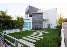 this garage door is perfect for this mid century architectural home.