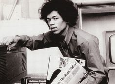 """Jimi Hendrix loves the Record by Elmore James, """"Memorial Album"""", Vinyl Compilation 'Sue Records', (1965), and, """"Chicago/The Blues/Today!"""", Various, Part 1/2,or 3 ?, 'Vanguard Records', (1966) - Jimi love The Blues and Elmore J. !!."""
