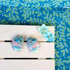Heart swirl 80s fashion earrings