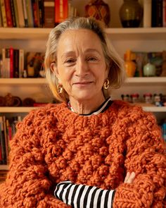 Lucinda Chambers wearing the Winter Wonderland sweater in Earthy Orange. This sweater is knitted using Trinity Stitch and is the perfect chunky knit for winter cosiness. Lucinda Chambers, Vogue Knitting, Free Knitting, Vintage Crochet Patterns, Navy Blue Dresses, Pattern Fashion, Knitwear, Women Wear, Winter Fashion