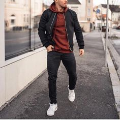 Mens fashion and style ideas – outfit accessories haircut and more. Mens fashion and style ideas – outfit accessories haircut and more. Sneakers Mode, Sneakers Fashion, Fashion Boots, Herren Style, Mens Fashion Wear, Short Man Fashion, Fashion Menswear, Men Style Tips, Style Ideas