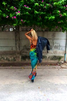 Tie dye Larva maxi, backless and fabulous. Take me to Miami. Rat And Boa, Cool Style, My Style, Great Movies, Summer Wardrobe, Fascinator, Grunge, Miami, Backless