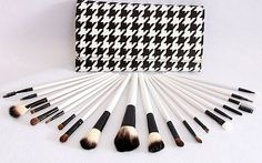 $29 for a 20-Piece Professional Make-Up Brush Set