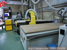 xưởng sản xuất tủ bếp bằng máy cnc của công ty Tủ Bếp Xinh - Quyết Tâm