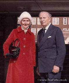 Sir Oswald Mosley and his wife Lady Diana in 1977 Mitford Sisters, Uk Culture, Baronet, Interesting History, Press Photo, Lady Diana, Book Themes, Wwii, Famous People