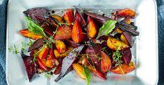 Beter som rødbeter, gulbeter og polkabeter er sunne og gode. Smakfull og fargeglad oppskrift på bakte beter!