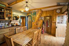 Organic Traditional Irish Cottage in Galway Cozy Cottage, Cottage Living, Cottage Style, Irish Decor, Irish Cottage Decor, Primitive, Ireland Homes, Irish Traditions, Cottage Interiors