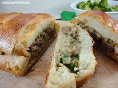 Stuffed French Bread: Who said ground beef is just for burgers? Feed your entire family with just one loaf of bread, with this fantastic Stuffed French Bread. Meat Recipes, Dinner Recipes, Cooking Recipes, Dinner Ideas, Hamburger Recipes, Dinner Menu, Turkey Recipes, Yummy Recipes, Group Recipes