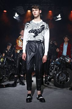Christian Dada Menswear Spring Summer 2016 Paris - NOWFASHION