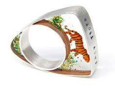 helen noakes | jewellery  title | Ring - Easy Tiger   material |Resin/Silver/miniature model