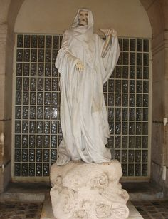 visite du quartier Saint-André-des-Arts et de ses curiosités mystérieuses. http://visite-guidee-paris.fr
