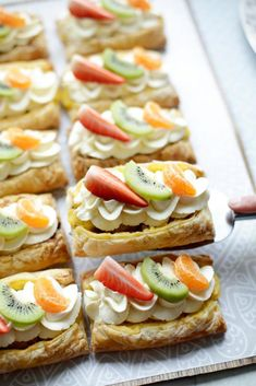 Ottolenghi, Dutch Recipes, Mini Pies, Baking Tips, High Tea, Creme, Delicious Desserts, Food And Drink, Tasty