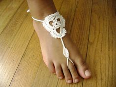 Indulge your inner Bohemian child and go barefoot with these lacy and delicate 'sandals'. These are great to decorate your feet for a beach event or wedding.--free