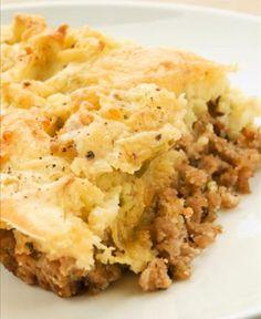 Torta de batata e carne desfiada vão deixar a refeição muito mais saborosa