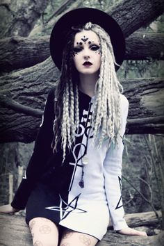 Goth | Gothic | Victorian | Cyber | Pastel | Beauty | Fashion | Costume | Couture |
