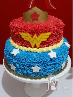 vanilla mug cake Wonder Woman Birthday Cake, Wonder Woman Cake, Wonder Woman Party, Birthday Woman, Girl Superhero Party, Vanilla Mug Cakes, Birthday Cakes For Women, 6th Birthday Parties, Birthday Ideas