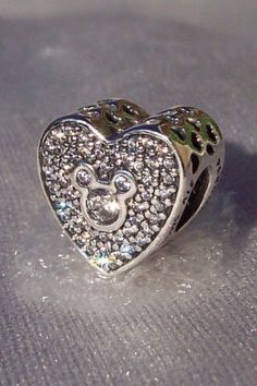 Disney Mickey & Minnie Sparkling Heart Pandora Sweetly