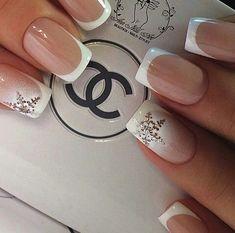 Romantic bridal nails