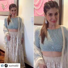 #Repost @surina92 with @repostapp. ・・・ Looking pretty, and young as ever! @officialraveenatandon in a lovely @varun_bahl ensemble for a PN Gadgil event last evening. #raveenatandon #varunbahl #elegant #pune #stylefile #stylediaries