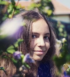 #day #light #naturallight #portrait #portraitmood #portraitpage #portraitphotography #colors #flowers 💐 #colorful #backgroundblur #portraitpose #romania #orastie #photoshoot #photography