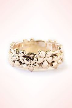 Floral Hawaiian Jungle Ring. Unique Gold Wedding Band for women