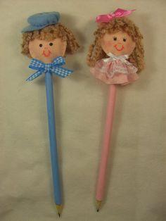 Lembrancinha lápis decorado bonequinhos