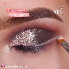 I'm in love with this glittery eye makeup! I'm in love with this glittery eye makeup! Everyday Eye Makeup, Bright Eye Makeup, Pink Eye Makeup, Dramatic Eye Makeup, Eye Makeup Steps, Hooded Eye Makeup, Glitter Eye Makeup, Colorful Eye Makeup, Simple Eye Makeup