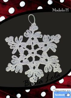 copito de nieve hecho a ganchillo Snowflakes, Crocheting, Invitations, Loom, Christmas Ornaments, So Done, Crochet, Crochet Crop Top, Save The Date Invitations