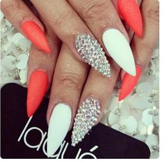 Oh my gosh coral nails are the shit! Oh my gosh coral nails are the shit! Get Nails, Dope Nails, Nails On Fleek, Fabulous Nails, Gorgeous Nails, Pretty Nails, Stiletto Nail Art, Acrylic Nails, Coffin Nails
