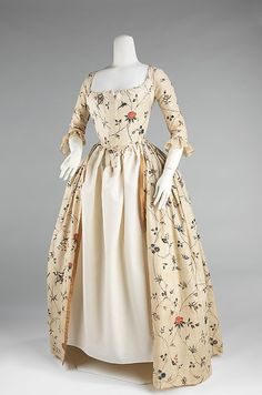 Dress (Robe à l'Anglaise) of Rococo-Rose-Printed Cotton, American, 1785-1795. (Front View)