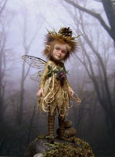 "FAIRYSTUDIOKALLIES  Since many Years creating fine art dolls,sculptures and miniatures in polymer clay. Elves,Trolls,Pixie´s,Fae´s,Wee Folk and of corse 1/12 scale Miniatures like Witchy´s and Wizard´s. I started with creating ""Thicket People Pixie Originales""in January 2008"