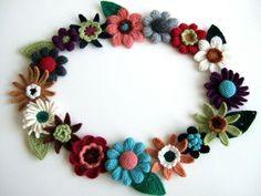 中細毛糸でお花のモチーフ。