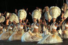 Hei Tahiti dance troupe at Heiva i Tahiti 2009.